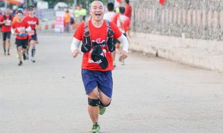Bác sĩ thú y Phạm Xuân Trịnh hoàn thành marathon 42km