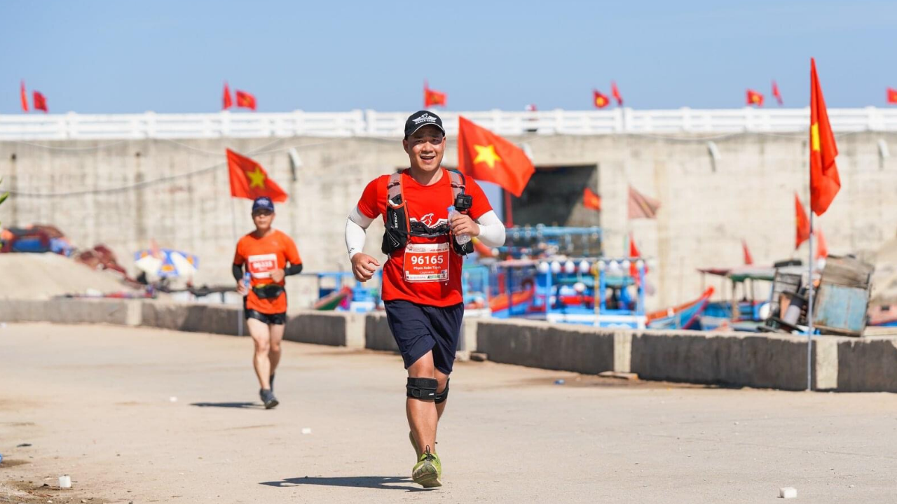 bác sĩ thú y Phạm Xuân Trịnh Marathon 2020 Lý Sơn
